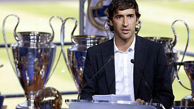 Raúl dice que quiere estar en el Real Madrid en medio de reportes de adiós de Zidane