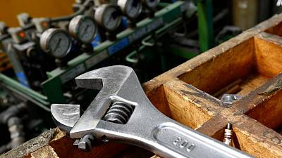 Nearly half of small UK manufacturers see recovery soon
