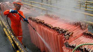 METALES BÁSICOS-Precios del cobre caen, atención mercado se vuelve a cifras empleo EEUU