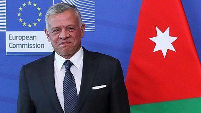 عاهل الأردن يقول الاستفزازات الإسرائيلية ضد الفلسطينيين أدت إلى التصعيد