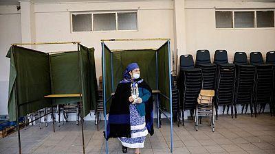 Sin favores: Mujeres chilenas dominan elección constitucional y ceden puestos a hombres