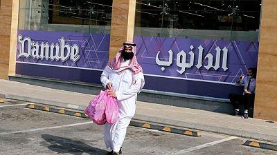 وكالة: السعودية تشترط تلقي لقاح كورونا لدخول المنشآت الحكومية والخاصة