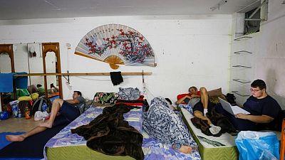 الحياة تحت القصف في إسرائيل..عندما يصبح البيت هو المخبأ من الصورايخ