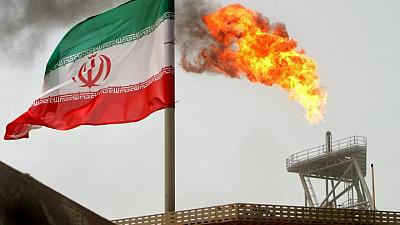 شركات التكرير الهندية تتجه لخفض المشتريات الفورية لإفساح مجال لنفط إيران