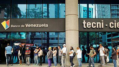 Inflación en Venezuela acelera en abril y alcanza 24,6%