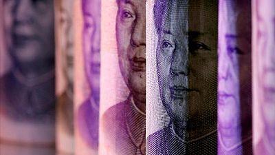China debería liberar al yuan para estimular un mayor uso: investigador banco central