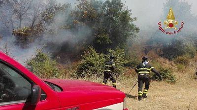 Pompieri a presidio case che potrebbero essere minacciate