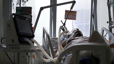 Infecciones por COVID han disminuido en América en el último mes: OPS