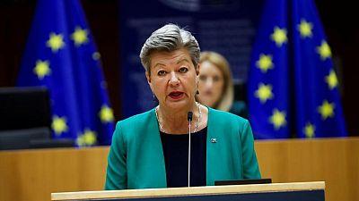 La UE estudia formas de aliviar la carga migratoria de Italia