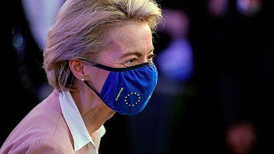 Von der Leyen afirma que la vacunación en la UE se está poniendo al día con la de EEUU
