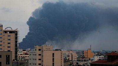 التلفزيون المصري: القاهرة تتوسط لإعلان هدنة في غزة تبدأ فجر الجمعة