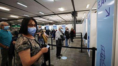 España no exigirá PCR negativa a viajeros de Reino Unido y Japón