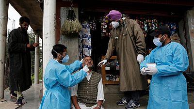 India sufre escasez de antimicóticos de cara a una nueva complicación en casos del virus