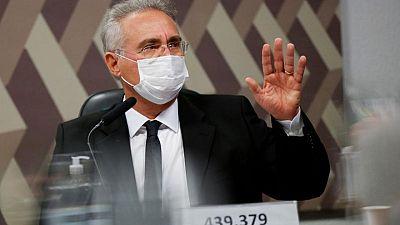 سناتور برازيلي: الرئيس لم يحبذ لقاحات كورونا مفضّلا اكتساب المناعة