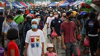 ماليزيا تسجل 13215 إصابة جديدة بفيروس كورونا