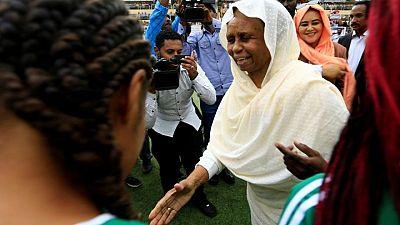 عائشة موسى عضو مجلس السيادة السوداني تستقيل وتقول أصوات المدنيين يتم تجاهلها