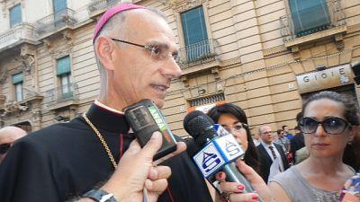 Vescovo di Acireale asintomatico, aveva già fatto il vaccino