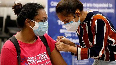 India busca guardar vacunas retrasando inmunización de pacientes recuperados de COVID: funcionario