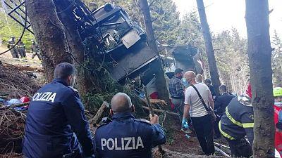 Accidente de teleférico en Italia deja 14 muertos y un niño herido grave
