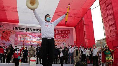 El candidato de izquierdas Castillo amplía la ventaja sobre Fujimori para las elecciones en Perú