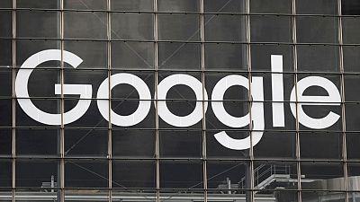 روسيا تفرض غرامات على جوجل وفيسبوك لفشلهما في حذف محتوى محظور