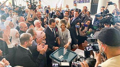 بشار الأسد يدلي بصوته في انتخابات الرئاسة