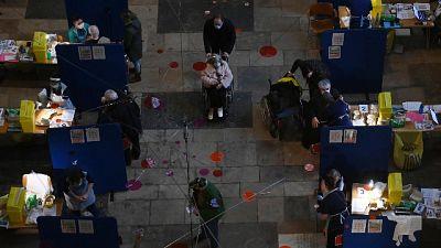 Due morti; ricoveri terapie intensive 10, in altri reparti 46