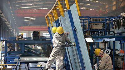 Los beneficios industriales de China se ralentizan por las materias primas