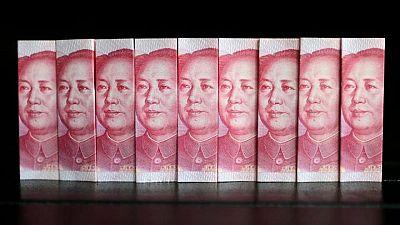 FOREX-Dólar se estabiliza antes de dato de inflación, yuan toca nuevo máximo de tres años