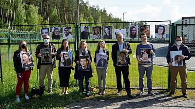 Reporters Without Borders holds protest against Belarus blogger arrest