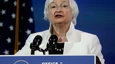 """Tesoro EEUU dice consenso por impuesto corporativo global señala fin de """"carrera a la baja"""""""