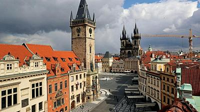 Czechs to fully reopen restaurants, bars, admit some foreign tourists
