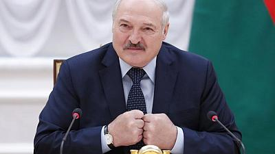 Belarus leader flies into Russia for talks with Putin amid uproar over 'air piracy'