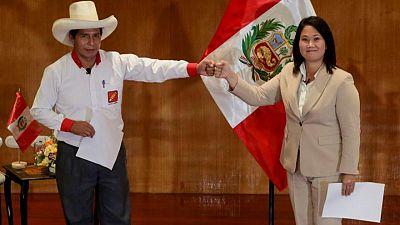 Castillo y Fujimori empatan en intención de voto a casi una semana de balotaje en Perú: sondeo