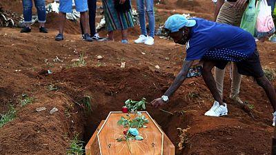 Brasil registra 2.507 nuevas muertes por COVID-19; cifra de casos se dispara