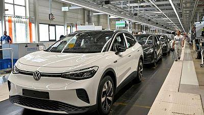 Volkswagen plans to change management structure -Automobilwoche