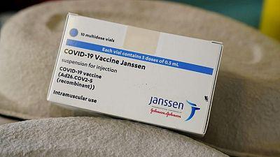 La UE dice que la reducción del suministro de vacunas de J&J es sólo temporal