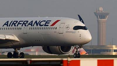 Air France cancela vuelos al no recibir luz verde de Rusia