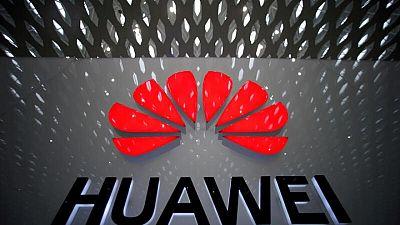 Italia aprueba con condiciones el acuerdo de Vodafone y Huawei para la 5G -fuentes