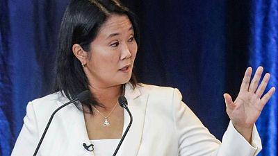 """Keiko Fujimori pide perdón por sus """"errores"""" y jura por democracia de Perú a días de elecciones"""