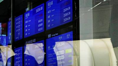 Asian stocks at month high ahead of U.S. jobs data, gold rises