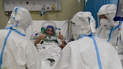 93 vittime,terapie intensive e tasso positività a minimi da mesi