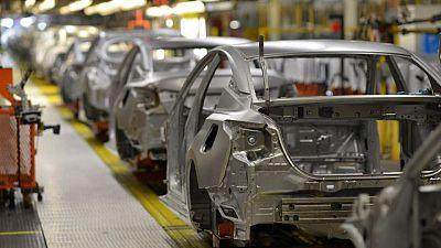 RESUMEN-Actividad manufacturera EEUU repunta en mayo, abunda escasez de materias primas y mano de obra