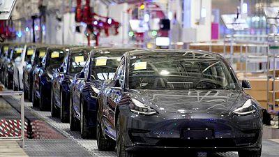 Tesla llama a revisión casi 6.000 autos en EEUU por posibles pernos sueltos