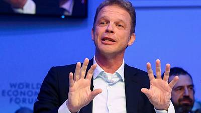 Don't divest dirty businesses, Deutsche Bank and BlackRock CEOs say