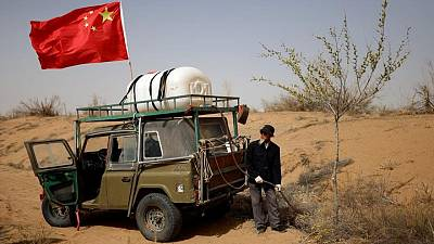 China farmers push back the desert - one tree at a time