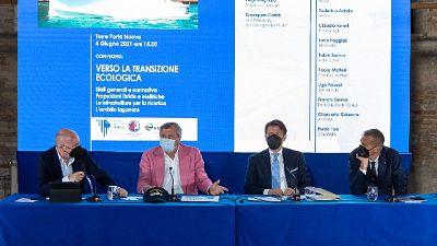 Al Salone Nautico Venezia discute di sostenibilità con Brugnaro