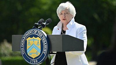 """Yellen dice subir tasas de interés sería """"una ventaja"""" para EEUU y Fed: Bloomberg"""