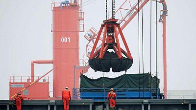 Las importaciones chinas crecen al mayor ritmo de la década por aumento de los precios de los materiales