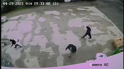 Il video del 29 aprile, per investigatori lo zio e due cugini